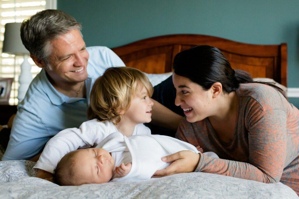 sžívání rodiny s novým miminkem